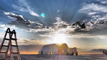 converted-boeing-747-burning-man-big-imagination-designboom-015